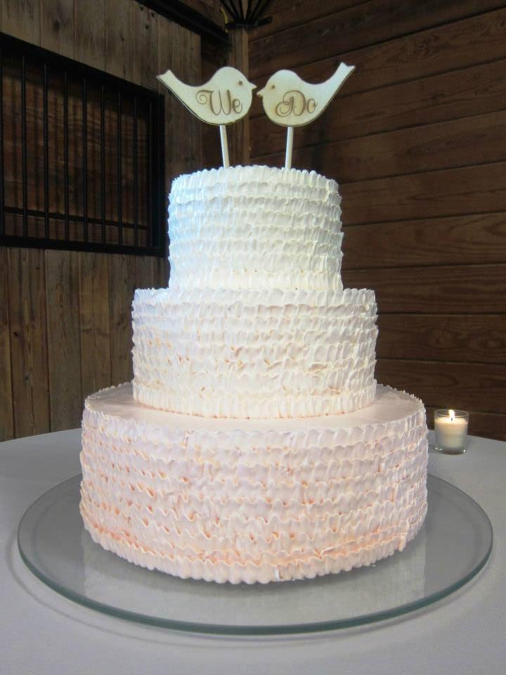 Twitter birds on wedding cake
